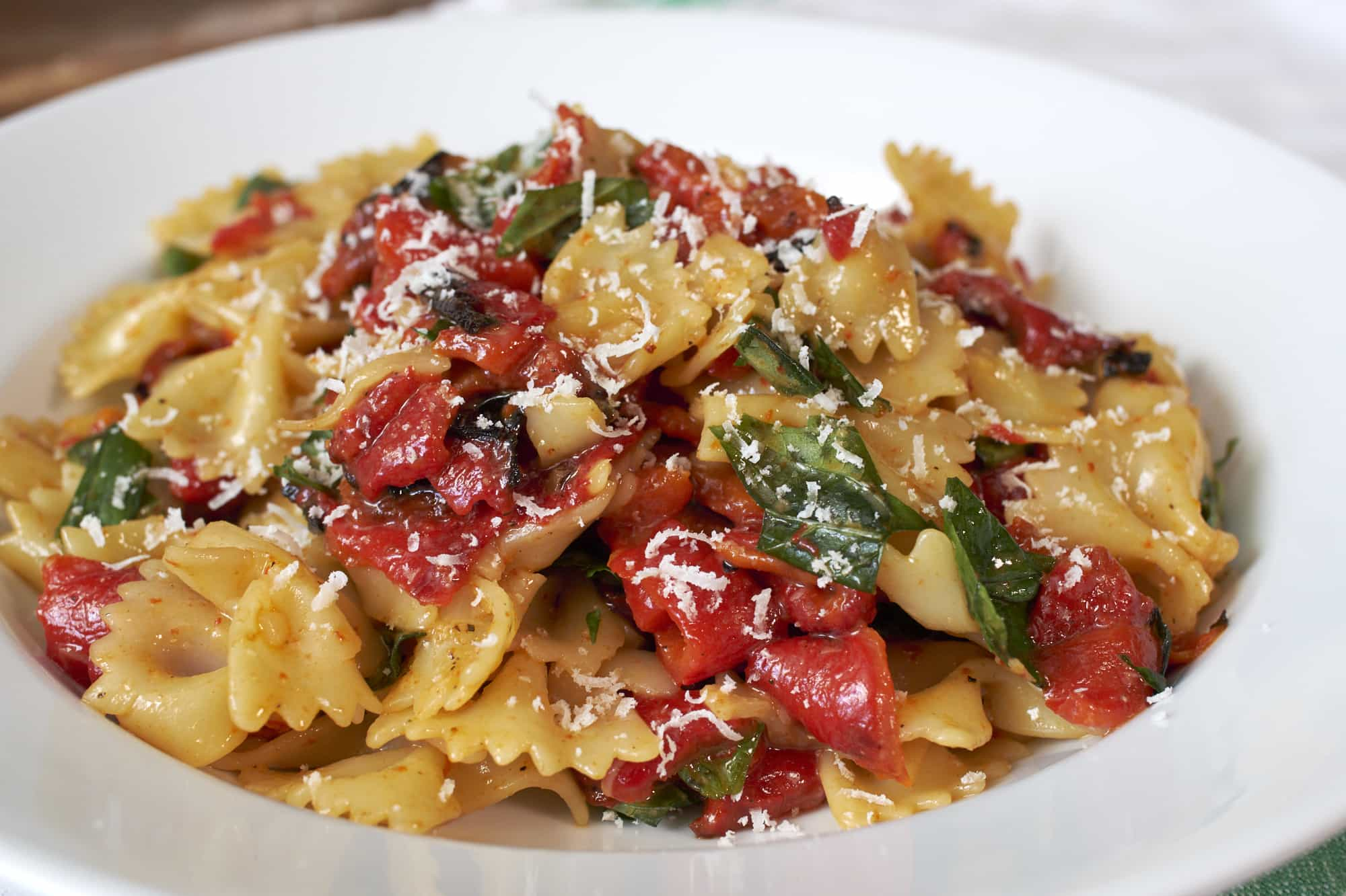 Bowtie Pasta with Roasted Red Pepper and Basil