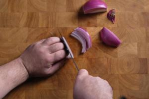 How to Cut an Onion - Fine Dice